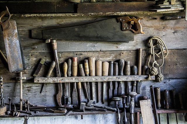 tools-1209764_640-1